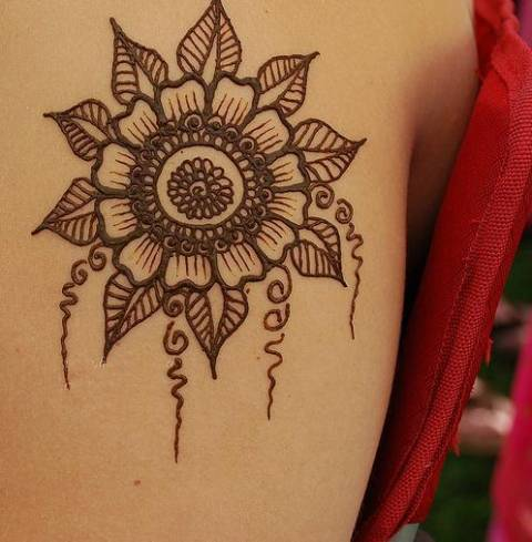 30 Easy Henna Mehndi Designs That You Can Draw Yourself