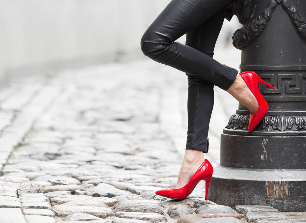 How to Appear Taller and Slimmer: Shoes with No Straps Around Ankles