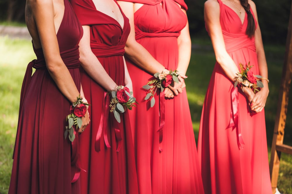 Best Tips for A wedding on a Budget: avoid more flower decors