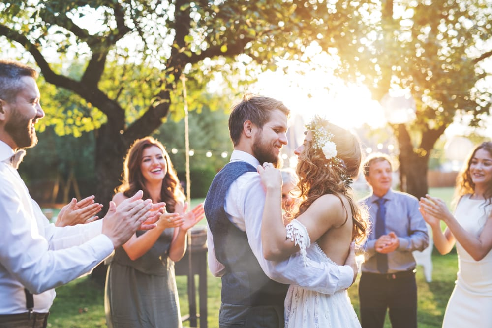 Best Tips for A wedding on a Budget: celebrate your wedding at home
