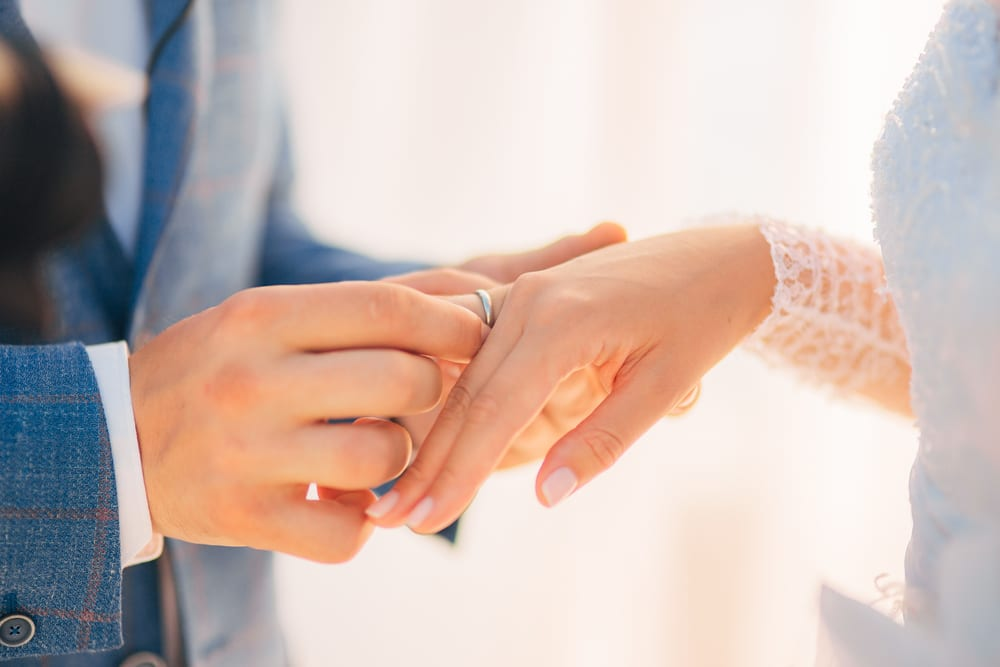 Best Tips for A wedding on a Budget: Select inexpensive wedding rings
