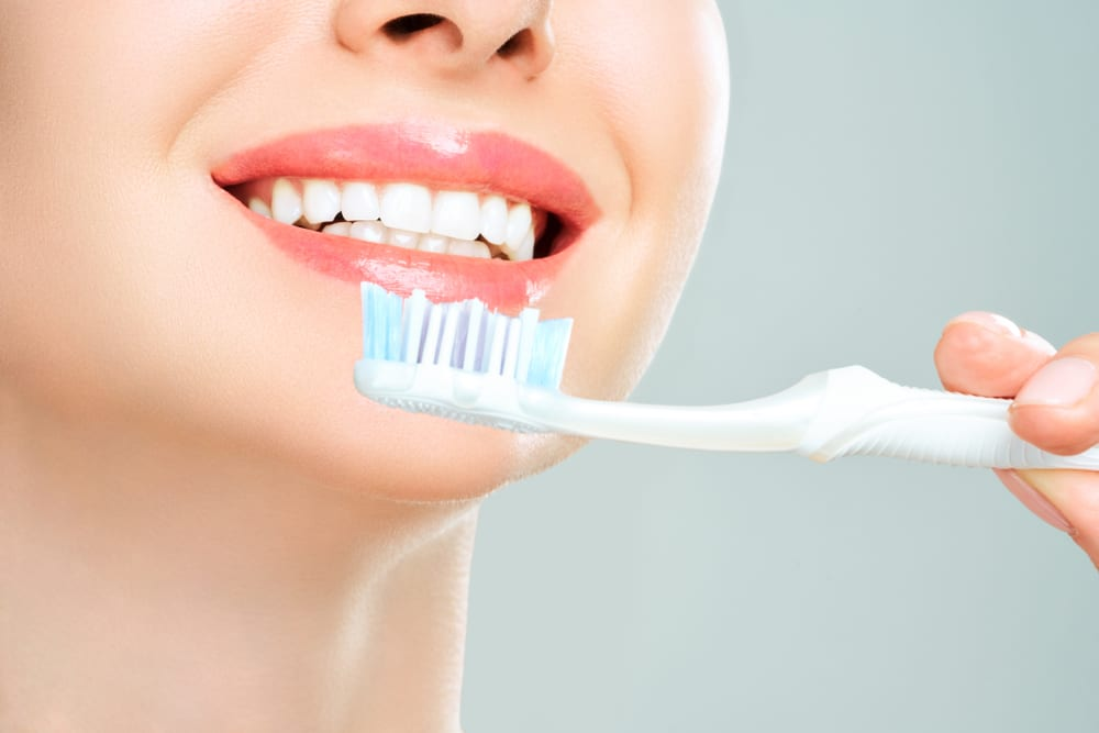 Ways to Achieve Pouty Lips - exfoliation