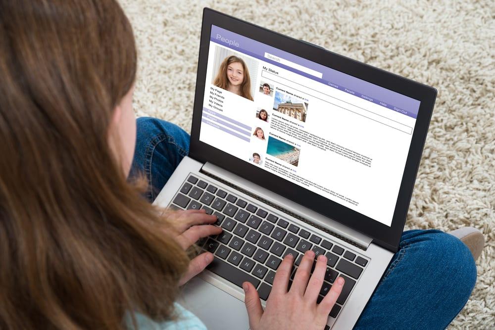 Avoid Cyberbullying - block the bullies