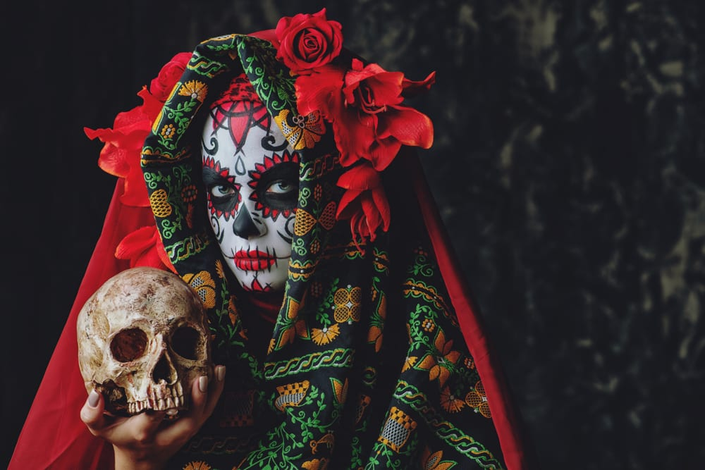 Halloween-Like Traditions - Dia de los muertos
