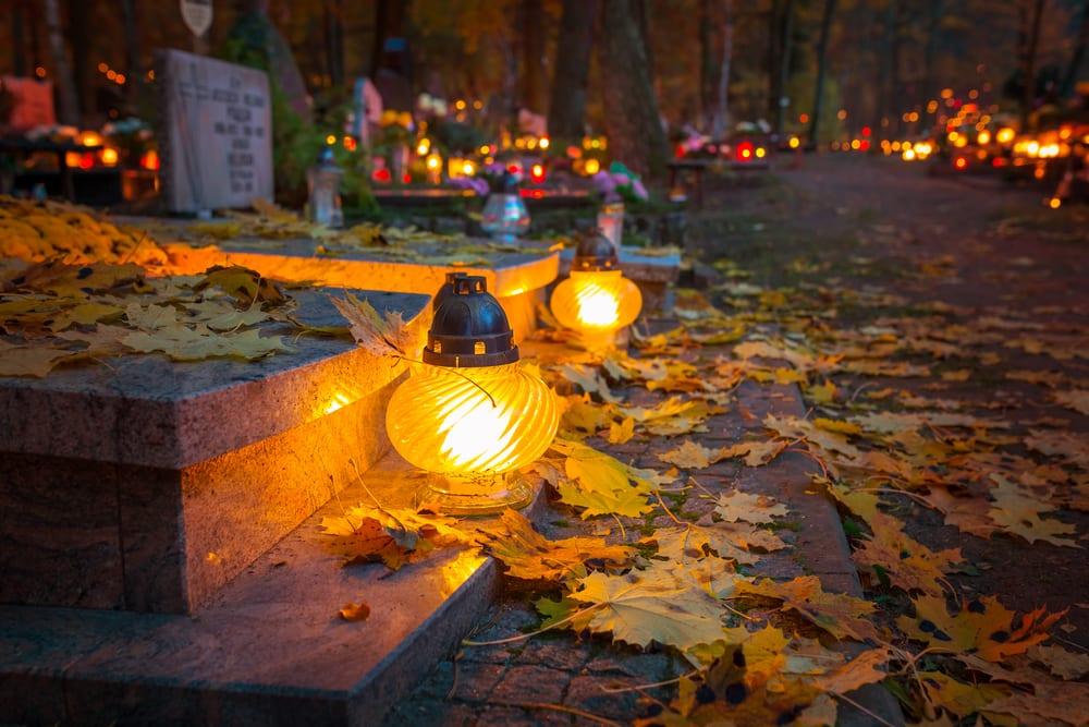 Halloween-Like Traditions - Seleenwoche